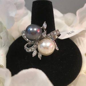 Beautiful Pearl Cocktail Ring